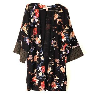 "Forever 21 ""Love21"" Kimono inspired Layering piece"